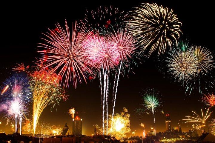 fireworks-1953253_1920